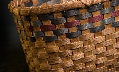 Deeda's <td>Baskets by Linda Lomasney